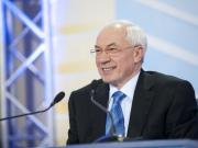 Азаров хочет руководить Украиной из России
