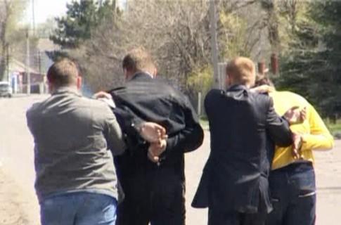 Молодых девушек соблазняли жильем в Воронеже и местными богачами.