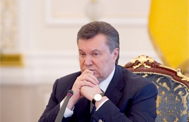Янукович и пустота